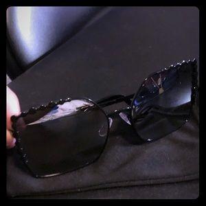Accessories - Brand New Oversize Black/chrome Sunglasses